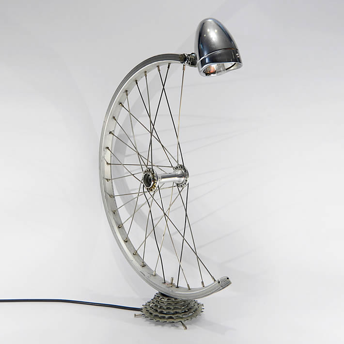 Bespoke_Spokes_Bicycle_parts_desk_lamp_01