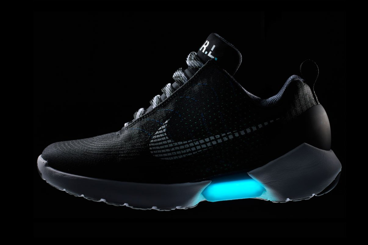 E.A.R.L. Sneakers by Nike