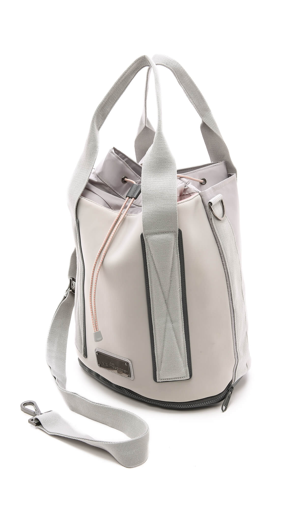 Comparable Existe ligado  Tennis bag by Adidas by Stella McCartney - Design i need