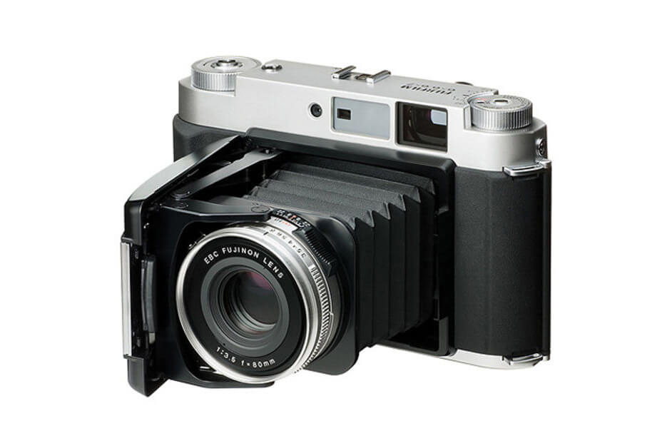 fujifilm-gf670-returns-for-limited-time-1